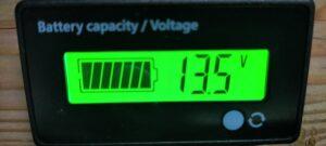 電圧計13.5V