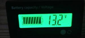 コンプレッサー動かない時の電圧計13.2V